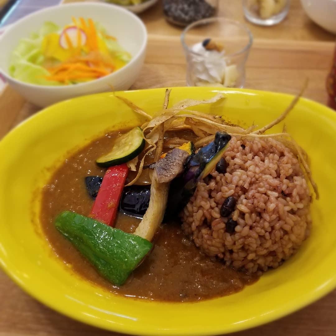 Cafe「f」フォルテ 軽井沢 * 酵素玄米カレーのランチセット♪_f0236260_18064138.jpg