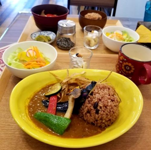 Cafe「f」フォルテ 軽井沢 * 酵素玄米カレーのランチセット♪_f0236260_18104664.jpg