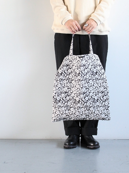 R&D.M.Co- LINEN HANDPRINT TOTE BAG - WILD BERRY_b0139281_16101066.jpg