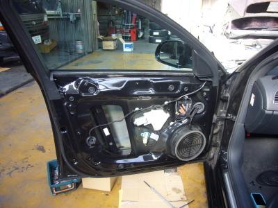 アウディA4 助手席ドアロック不調 修理_c0267693_17321592.jpg