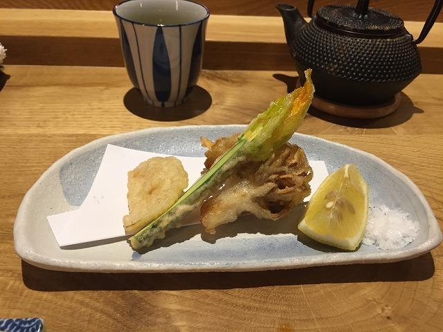 お寿司専門店 Sato i Tanaka_b0064411_06085470.jpg