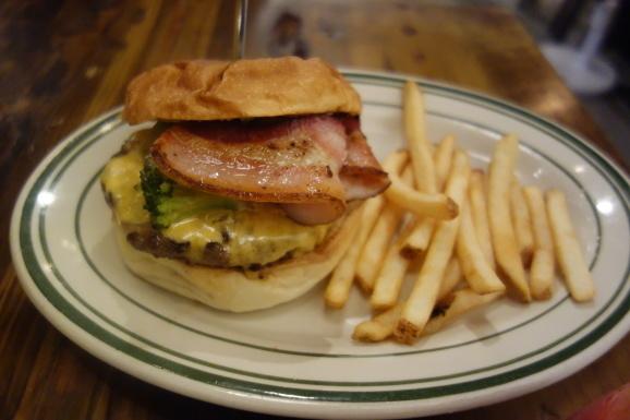 THE GIANT STEPさんで美味しいハンバーガー_e0230011_17151808.jpg