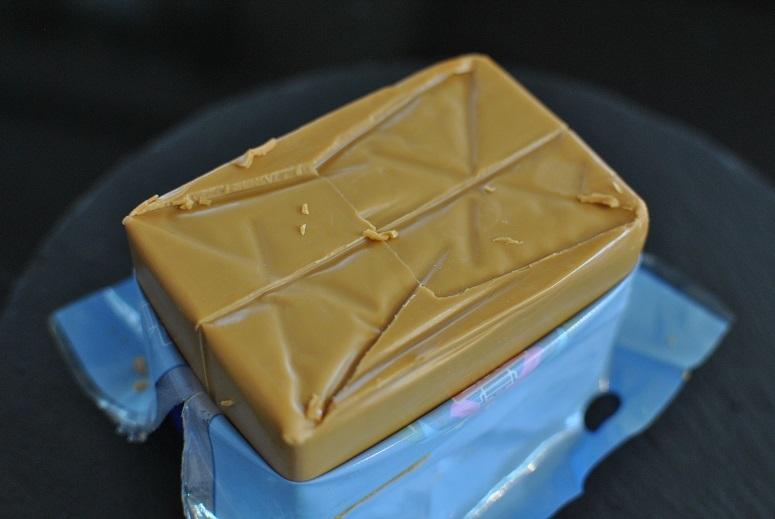 ノルウェーのブラウンチーズを食べ比べ_b0129725_13422714.jpg