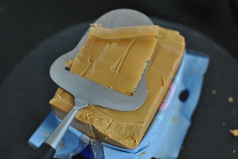 ノルウェーのブラウンチーズを食べ比べ_b0129725_13431071.jpg