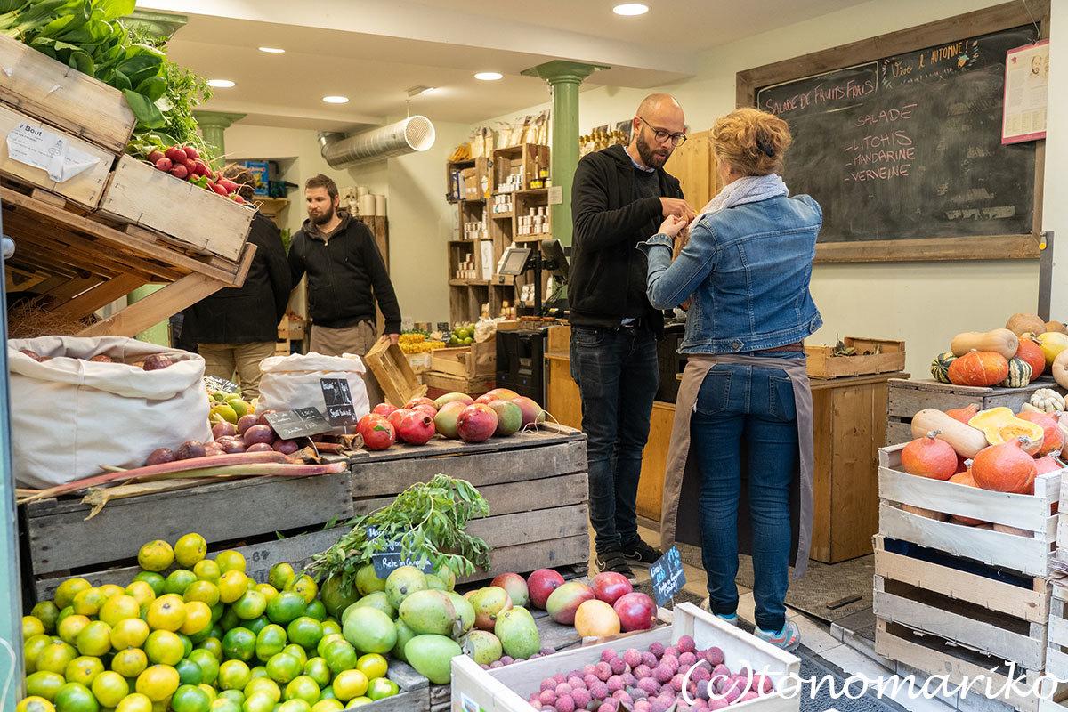 ゴロゴロゴロゴロ野菜に果物。パリの八百屋さん。_c0024345_21095303.jpg