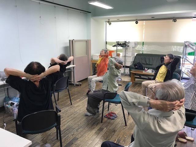懐メロ体操(認知症予防教室)&プログラミング教室_c0113948_14295071.jpg