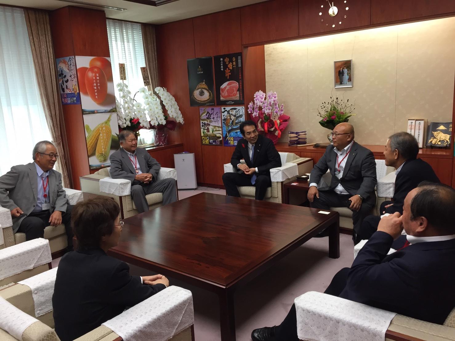 「NHKおはよう日本」の「新閣僚に聞く」_a0143152_19010752.jpeg