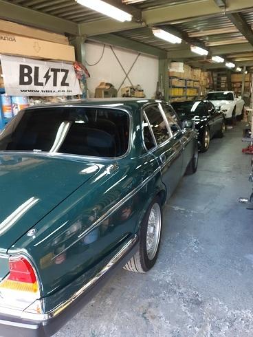 グリーンが似合う 英国車_b0138552_19573963.jpg