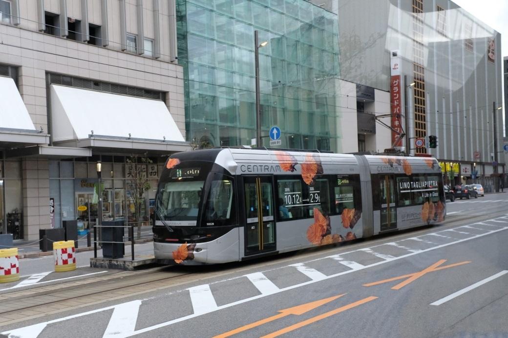 市内電車 富山にて 2019・10・07_e0143883_17170599.jpg