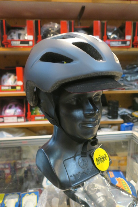 BELL DAILY ヘルメット入荷!_c0132901_20275628.jpg