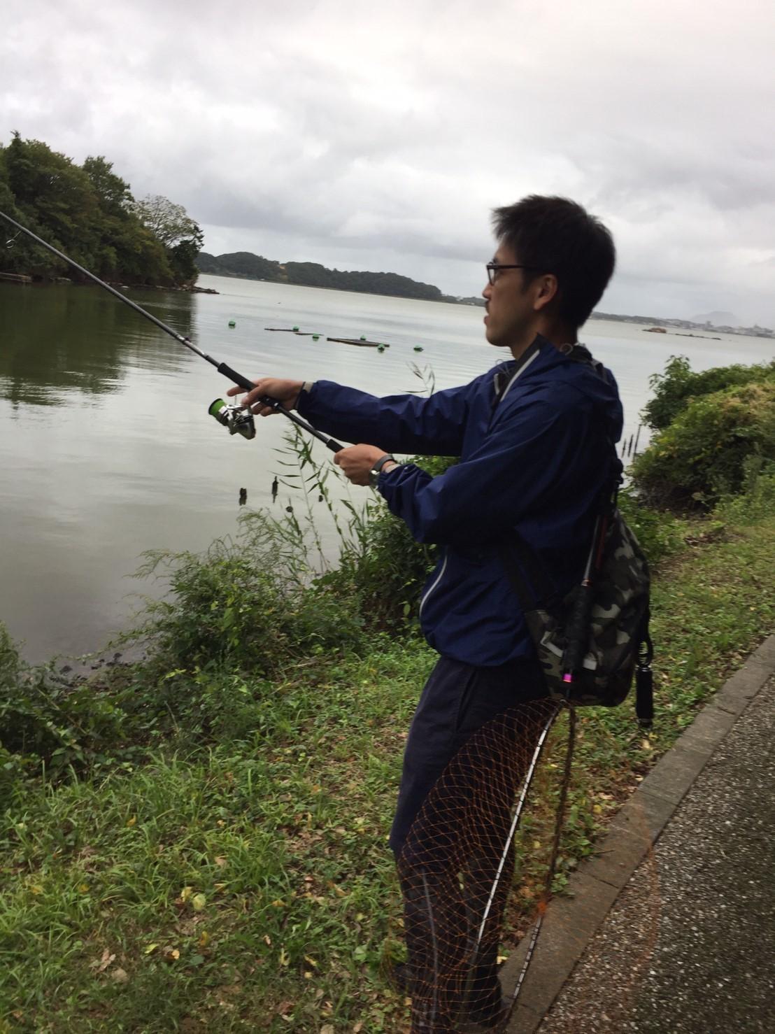 こんな所で巨大魚が爆釣 2019.10_e0115904_11023120.jpg