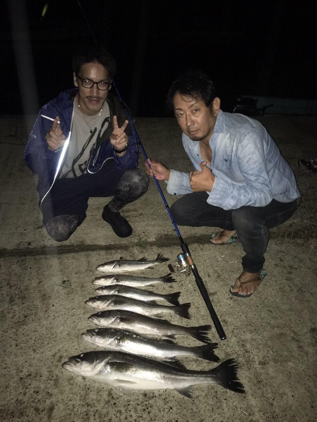 こんな所で巨大魚が爆釣 2019.10_e0115904_19472440.jpg