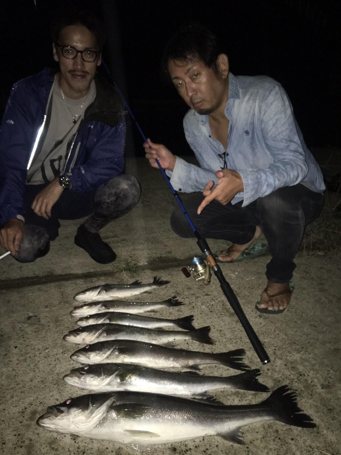 こんな所で巨大魚が爆釣 2019.10_e0115904_19474207.jpg