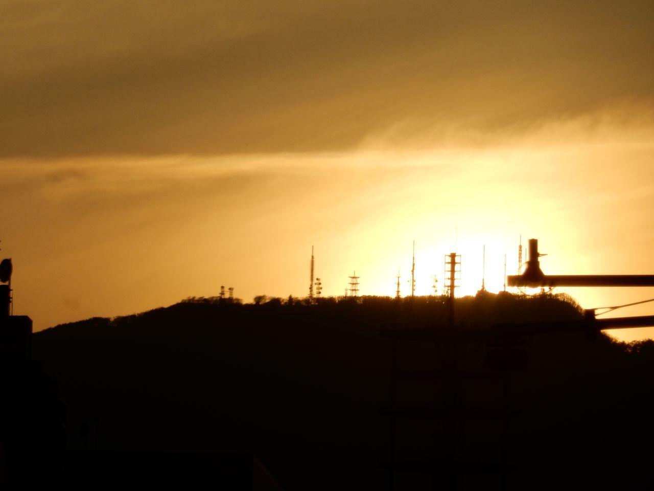 久々に見た手稲山頂への落日_c0025115_23410761.jpg