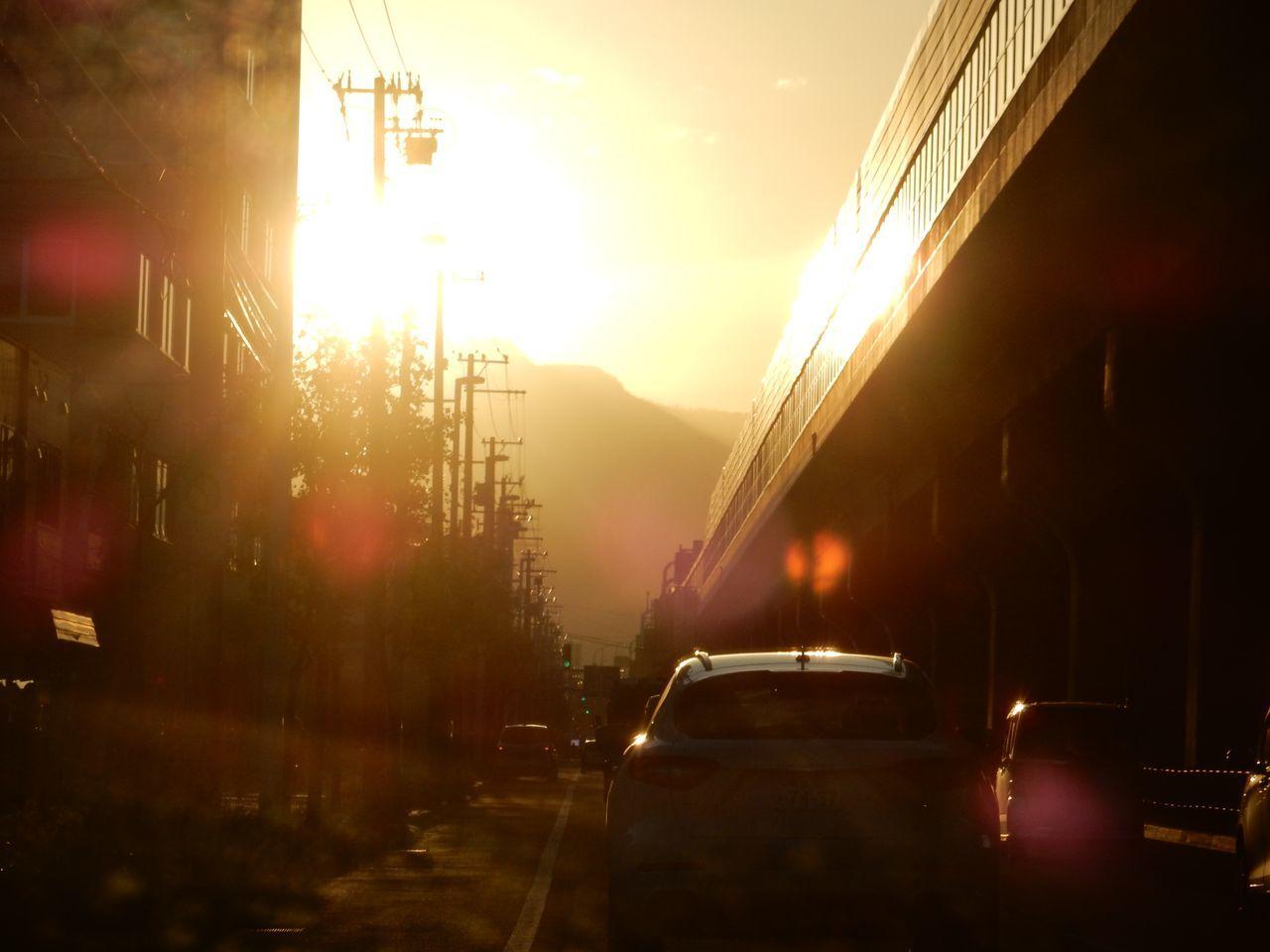 久々に見た手稲山頂への落日_c0025115_23424631.jpg