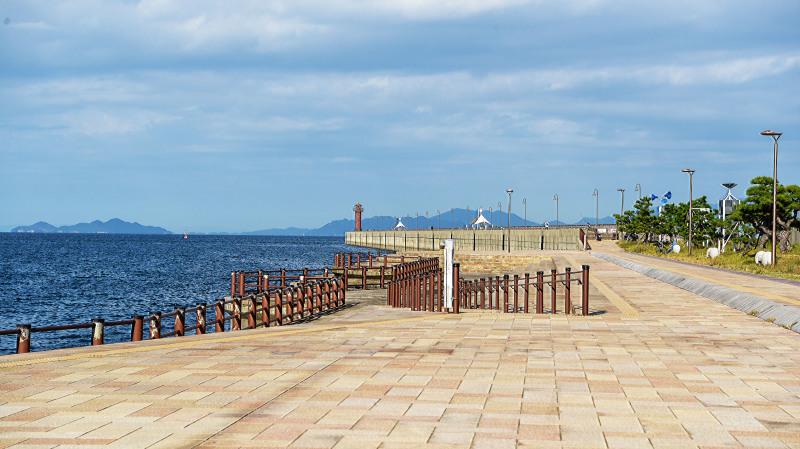 今日もただ何となく撮ってしまう海岸散歩の写真です _d0246136_23223777.jpg