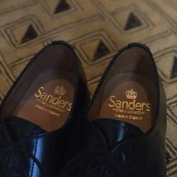 スニーカーではなく革靴で、、_d0364239_19144075.jpg