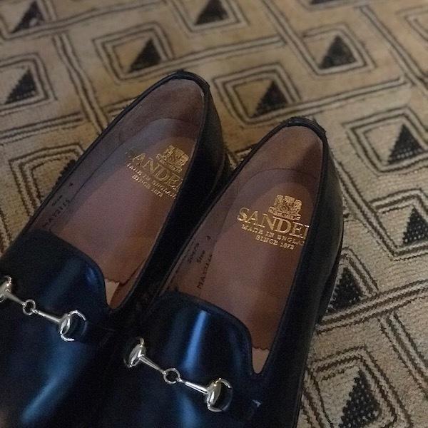 スニーカーではなく革靴で、、_d0364239_19163055.jpg