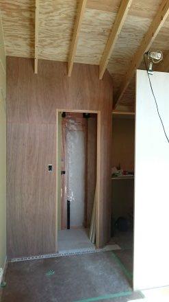 『風致地区の店舗併用住宅』板張りの外壁が仕上がりました。_e0197748_21552943.jpg