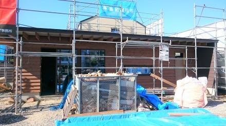 『風致地区の店舗併用住宅』板張りの外壁が仕上がりました。_e0197748_21591374.jpg