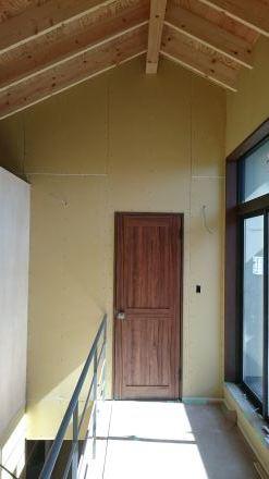 『風致地区の店舗併用住宅』板張りの外壁が仕上がりました。_e0197748_21592288.jpg