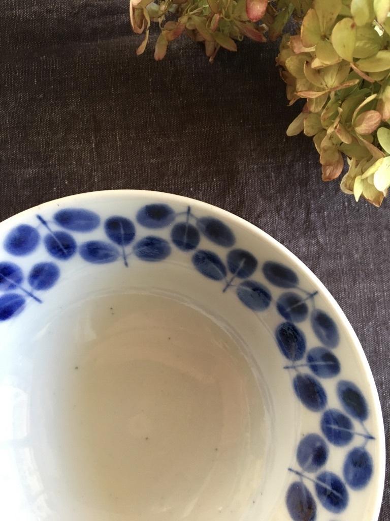 『再入荷した砥部焼「陶房遊」の器たち』&『テーブルは秋のしつらえに』_c0334574_16135611.jpg