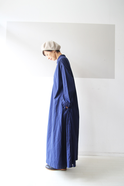 ROYAL BLUEのワンピース_f0215708_13150211.jpg