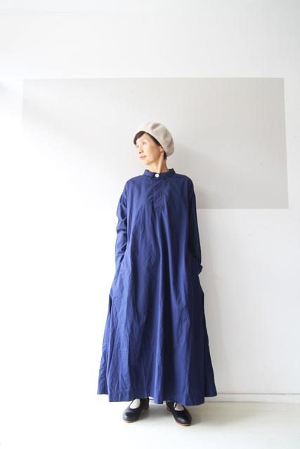 ROYAL BLUEのワンピース_f0215708_13150261.jpg