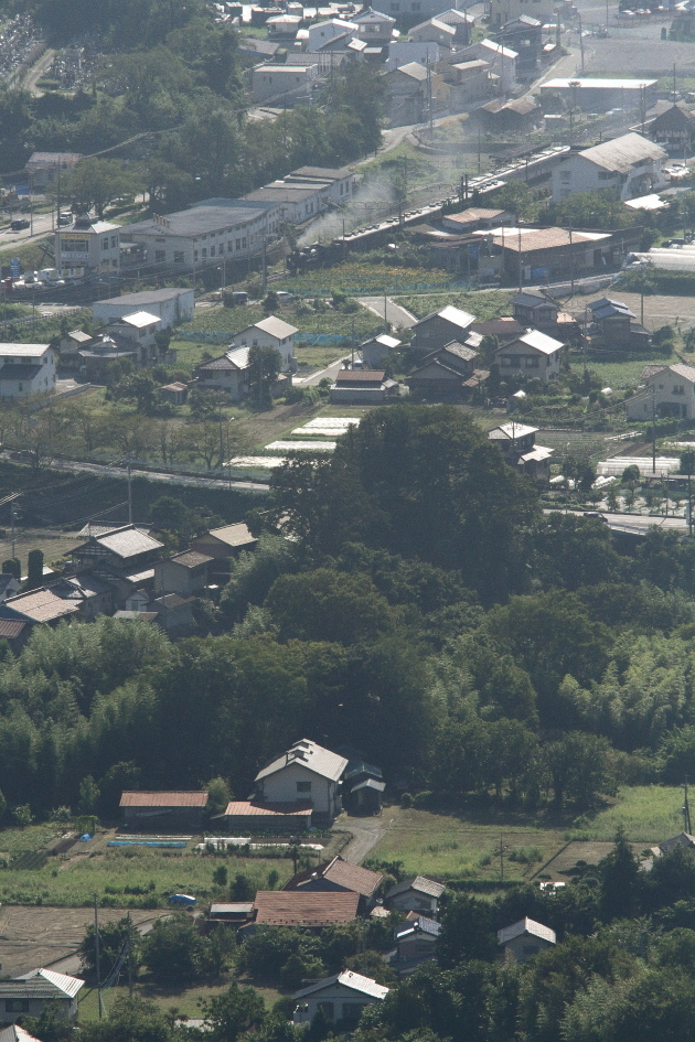 遠くの汽車と手前の風景 - 2019年初秋・秩父鉄道 -_b0190710_20125218.jpg