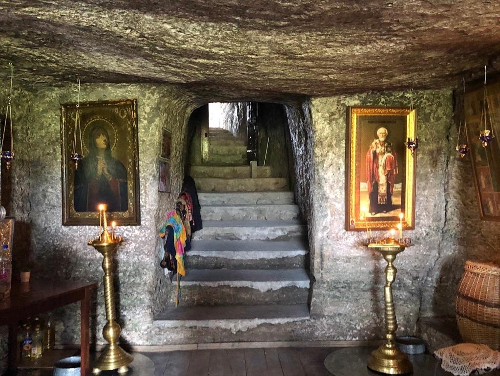 旧オルヘイ洞窟修道院@モルドヴァ_a0092659_20275394.jpg