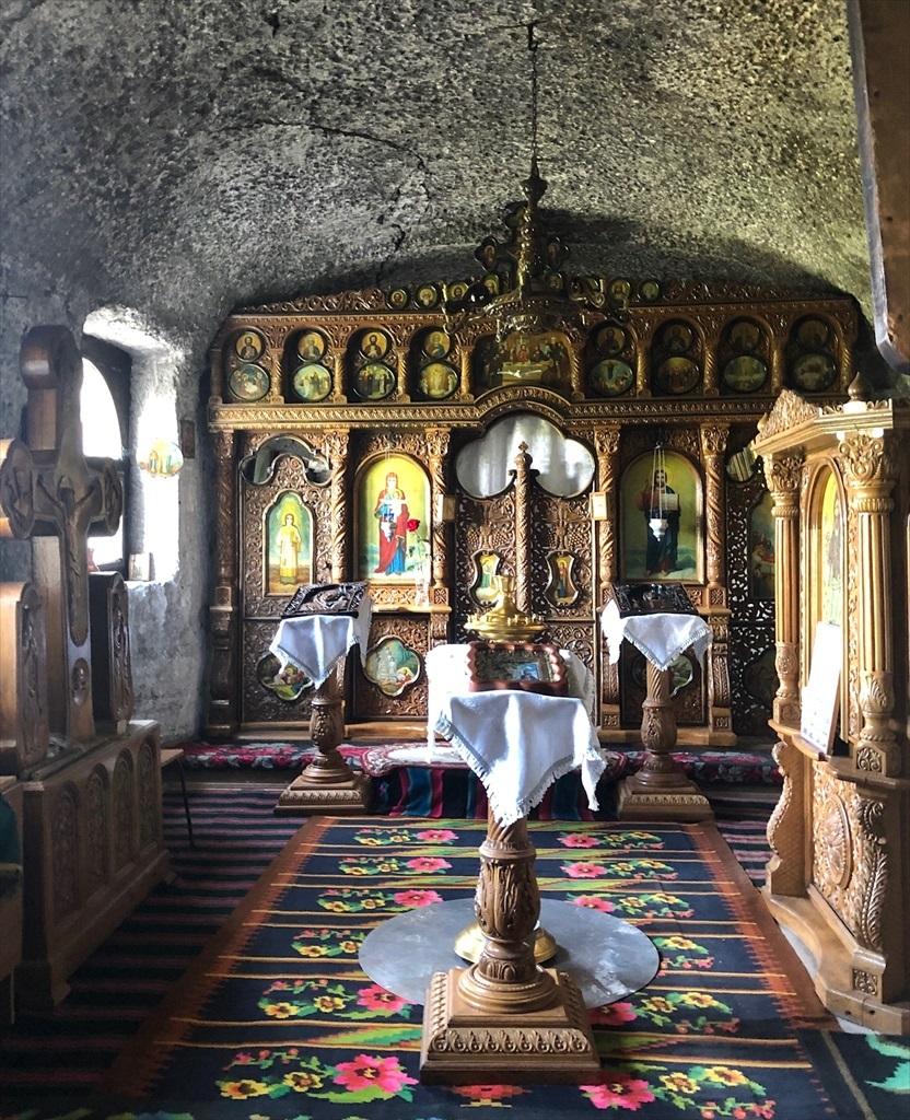 旧オルヘイ洞窟修道院@モルドヴァ_a0092659_20341038.jpg