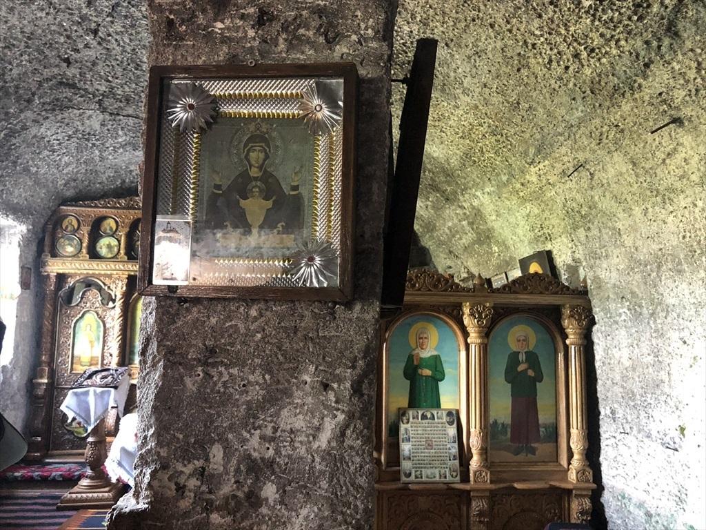 旧オルヘイ洞窟修道院@モルドヴァ_a0092659_23272358.jpg