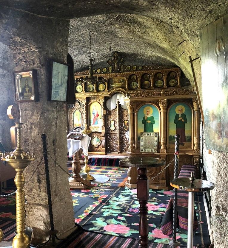 旧オルヘイ洞窟修道院@モルドヴァ_a0092659_23345665.jpg
