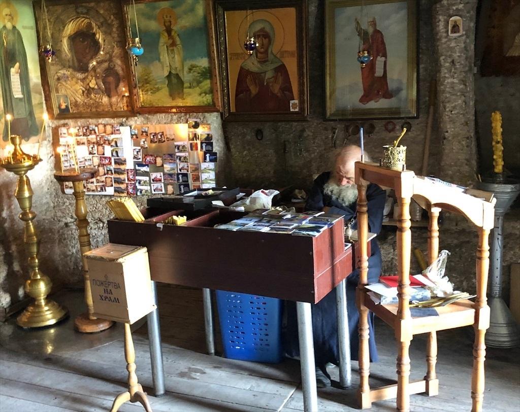 旧オルヘイ洞窟修道院@モルドヴァ_a0092659_23352273.jpg