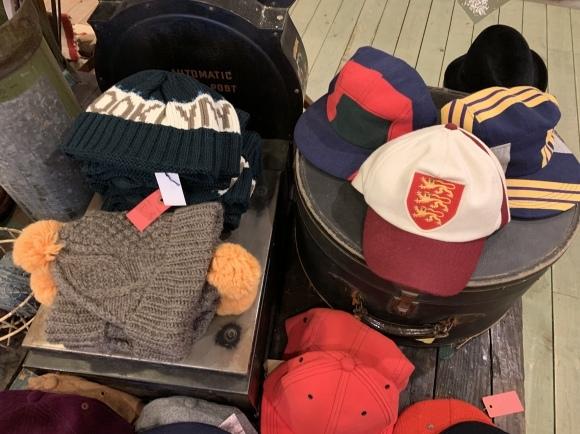 vintage スエットコーデ&二階の帽子_a0108963_01154300.jpeg