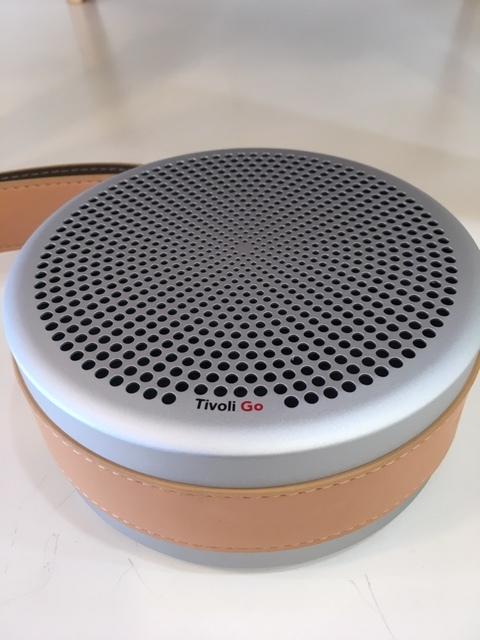 ファーストインプレッションとしては、「音がよすぎ!!!!」...Tivoli Audio Andiamo_b0125570_10501613.jpg