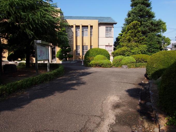 新田高校たちばな館(旧新田中学本館)_f0116479_18462682.jpg