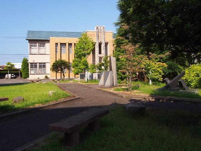 新田高校たちばな館(旧新田中学本館)_f0116479_18482076.jpg