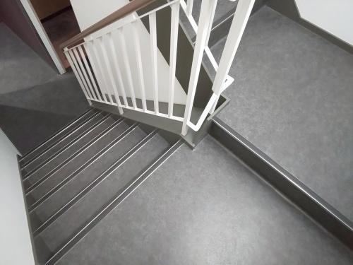■階段床シート■_e0188083_00240394.jpg