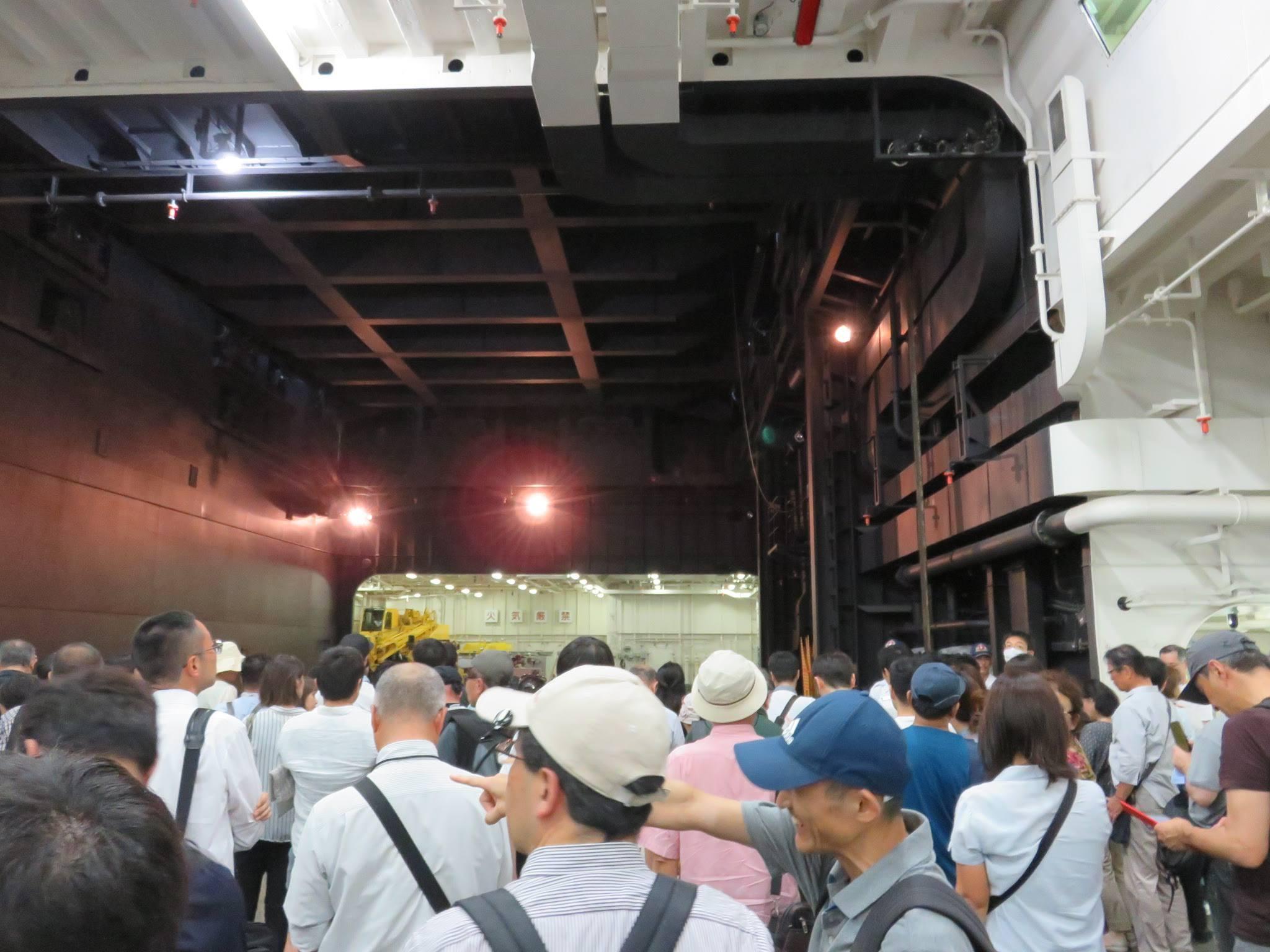 FLEETWEEK2019横浜 - 護衛艦「いずも」一般公開_a0057402_23392341.jpg