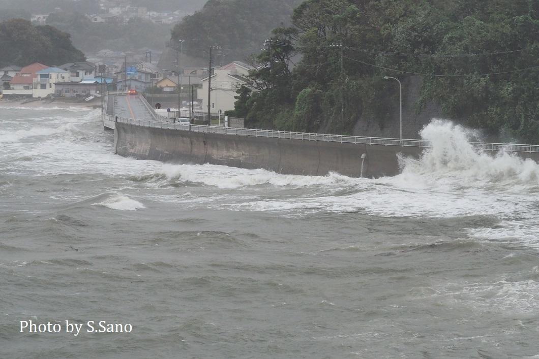 台風19号迫る!_b0348205_22353240.jpg