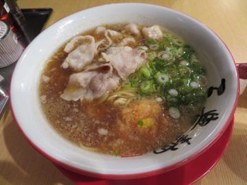 三豊麺ラーメンと ベトナム料理コムコカ_a0150910_10420813.jpg