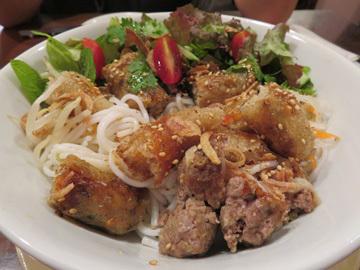 三豊麺ラーメンと ベトナム料理コムコカ_a0150910_11202751.jpg