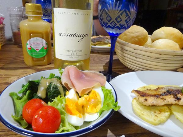 台風の日にパンを焼き、ワインを開ける_f0097523_18384563.jpg
