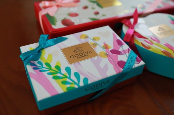 GODIVAのチョコとお土産色々。_f0348831_21373603.jpg