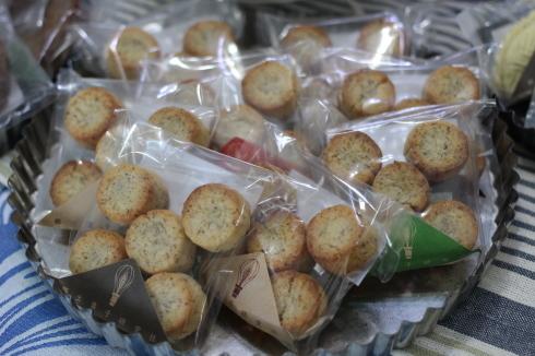 今年も!林周作シェフの「世界の郷土菓子」期間限定販売♪_d0108933_14403278.jpg