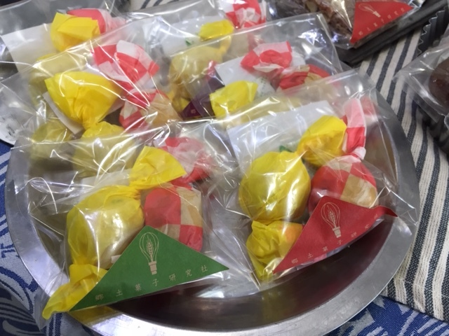 今年も!林周作シェフの「世界の郷土菓子」期間限定販売♪_d0108933_19283399.jpg
