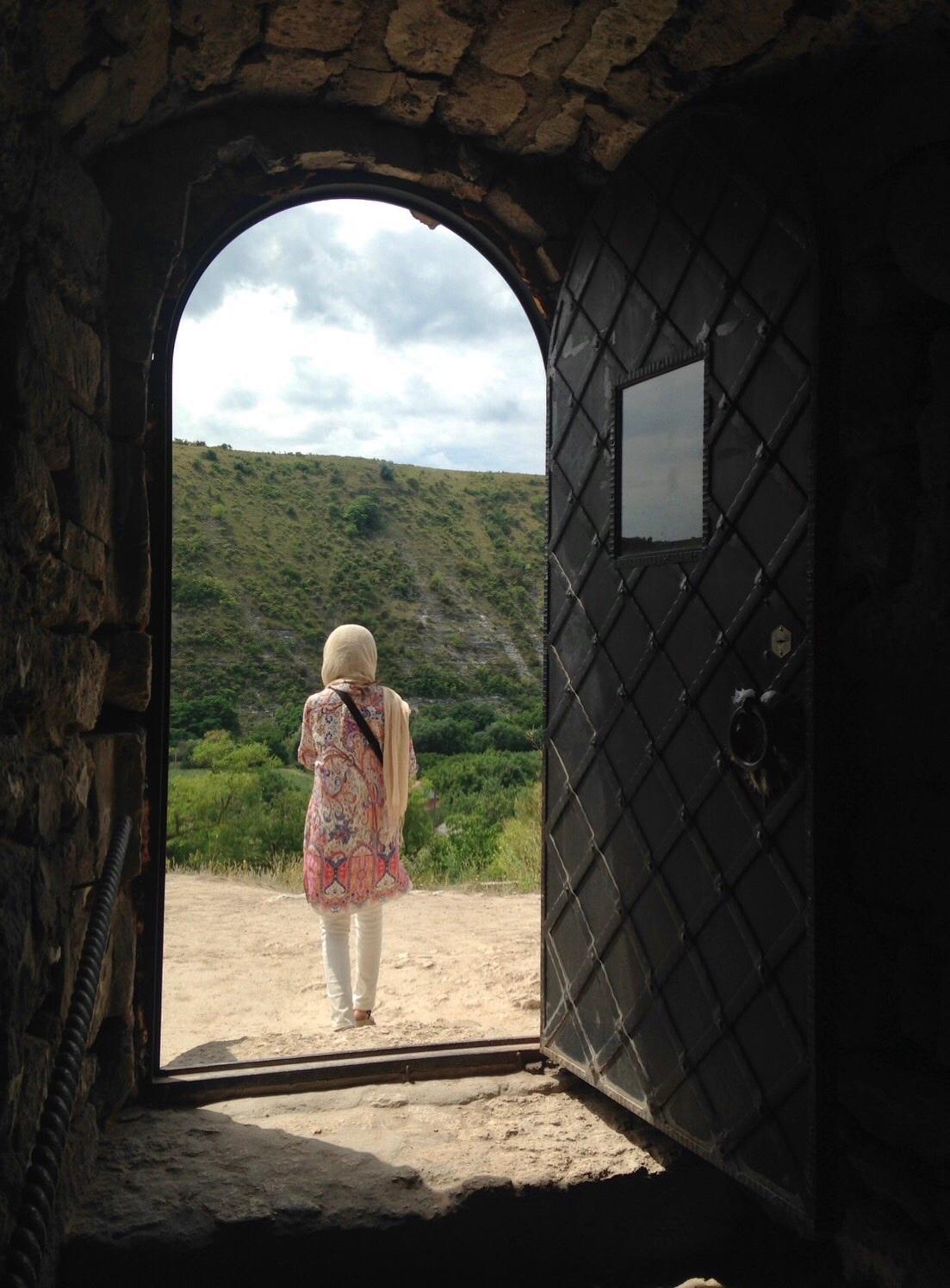 旧オルヘイ洞窟修道院@モルドヴァ_a0092659_00092464.jpg
