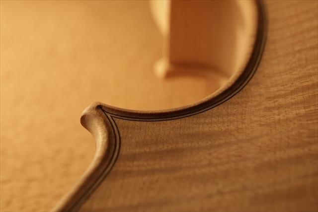 弦楽器フェアのご紹介と、ホワイトヴァイオリン_d0047461_14284965.jpg