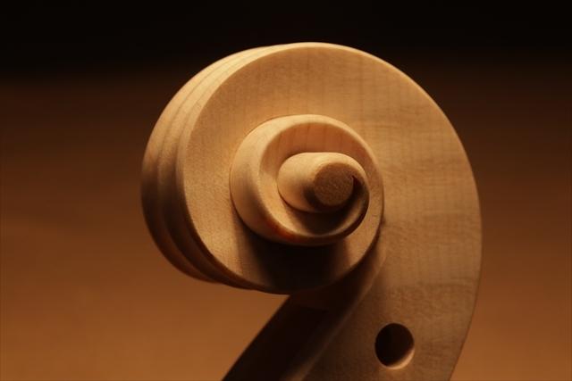 弦楽器フェアのご紹介と、ホワイトヴァイオリン_d0047461_14293090.jpg